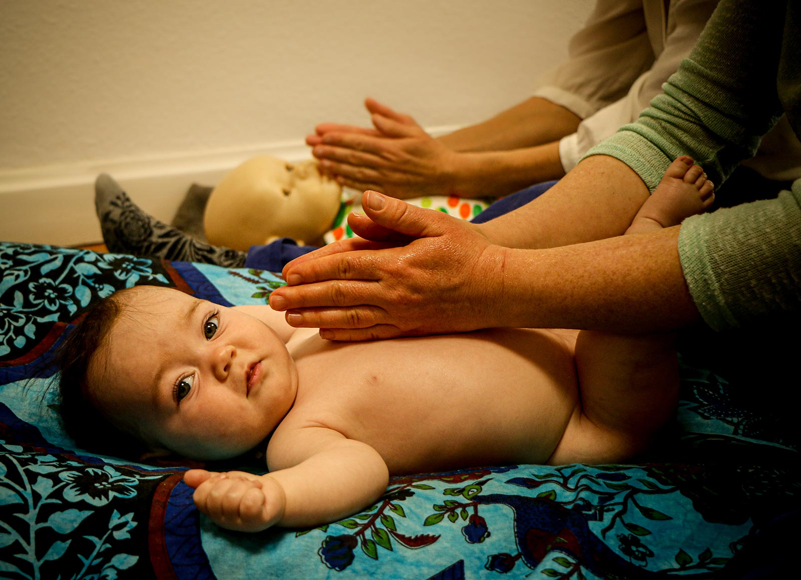 massage d'un bébé